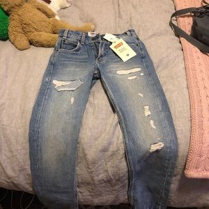 Selling NWT Levi's 501 never worn before
